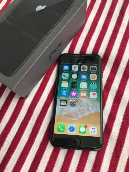 В идеале IPhone 8 256GB Black Neverlock
