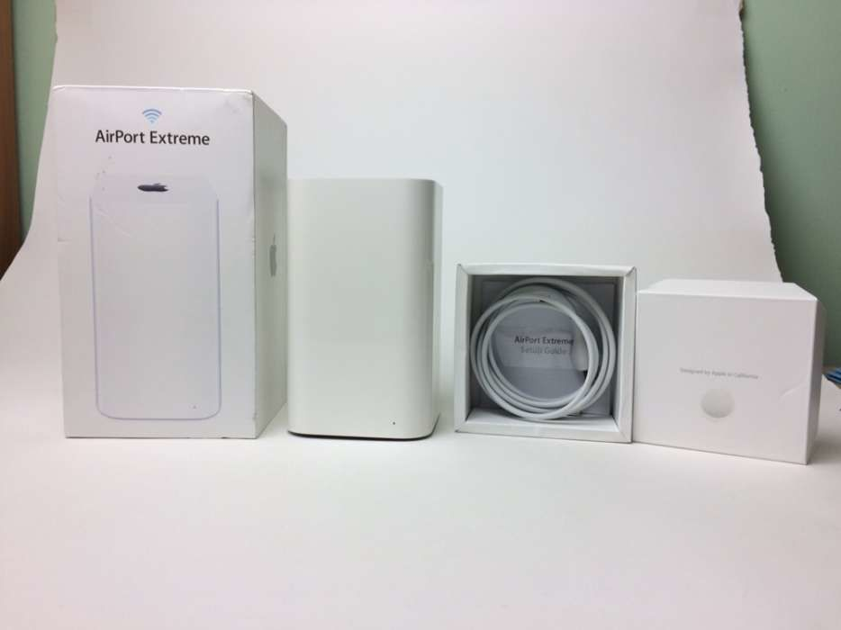 Apple AirPort Extreme (ME918LL/A)