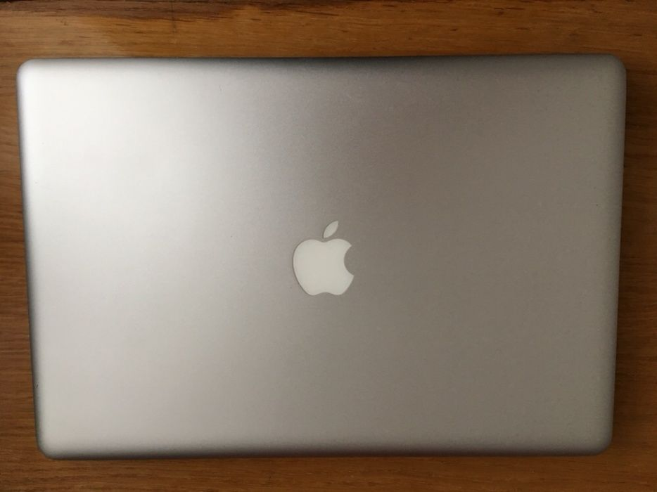 "Apple Macbook Pro 2010,GeForce 330m, i5, 8 gb DDR3,IPS 15"" 1440p,BEST)"