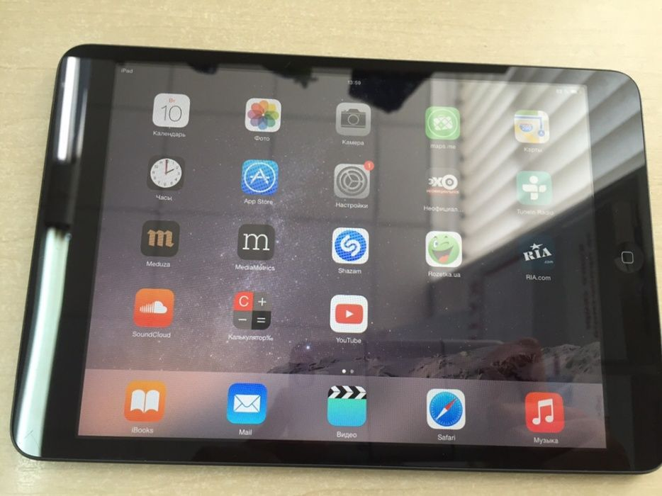 Apple IPad mini 1G на 16 гб Wi-Fi 3 G