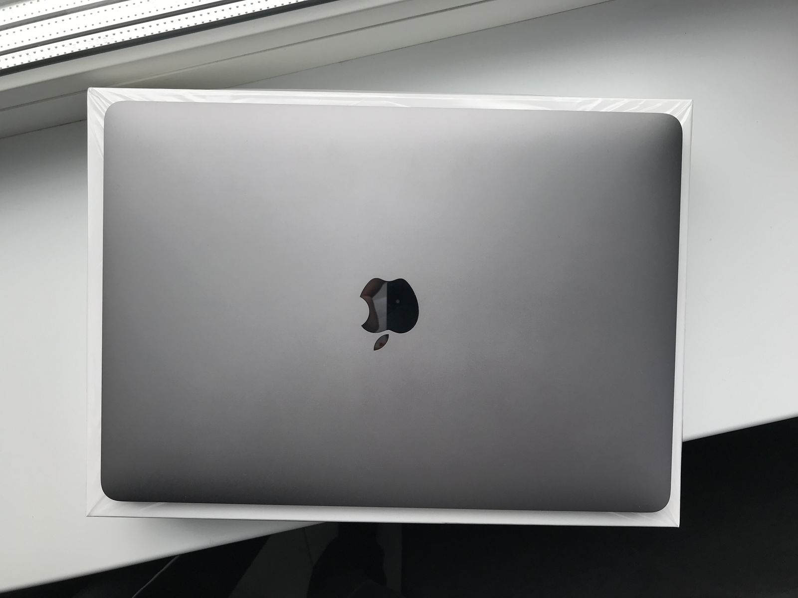 Apple MacBook Pro 13 256Gb Space Gray!! как НОВЫЙ!!