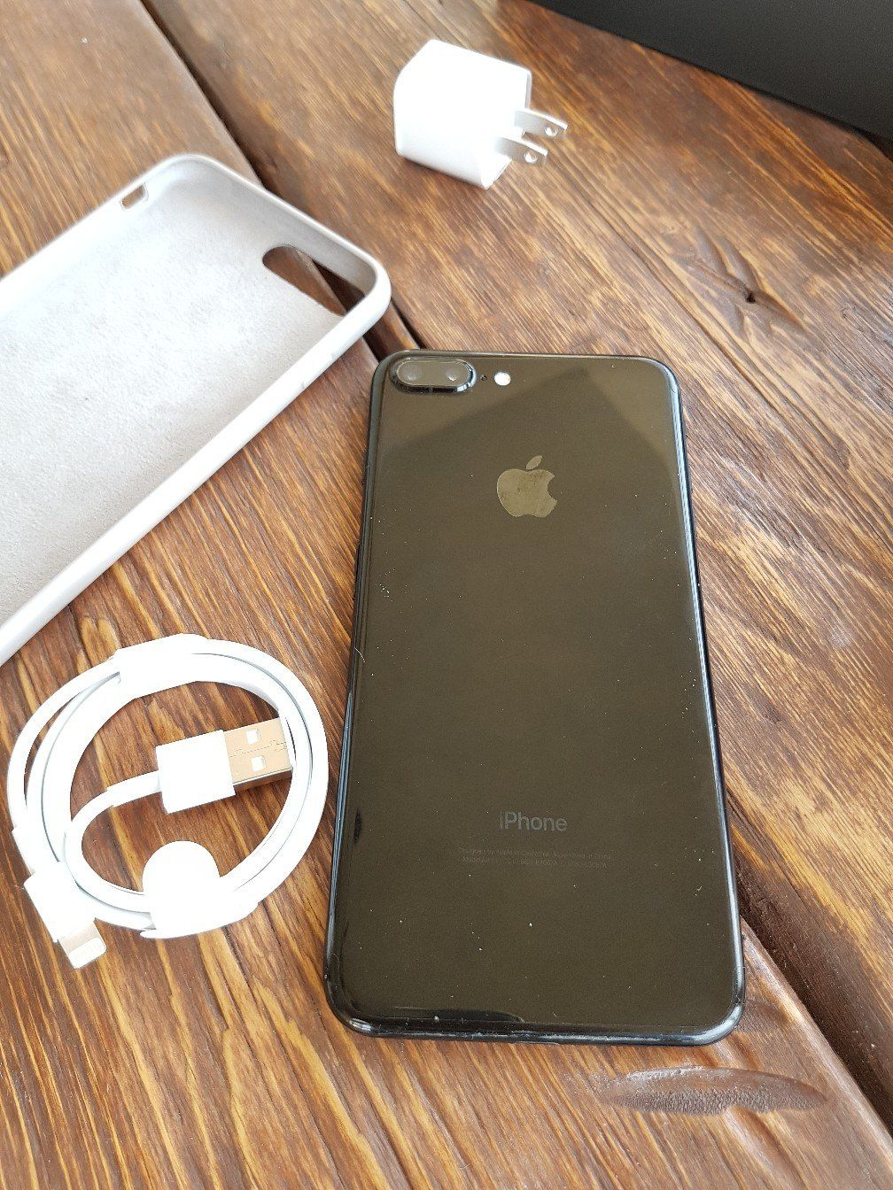 Apple iPhone 7+ 256GB Neverlock JET BLACK