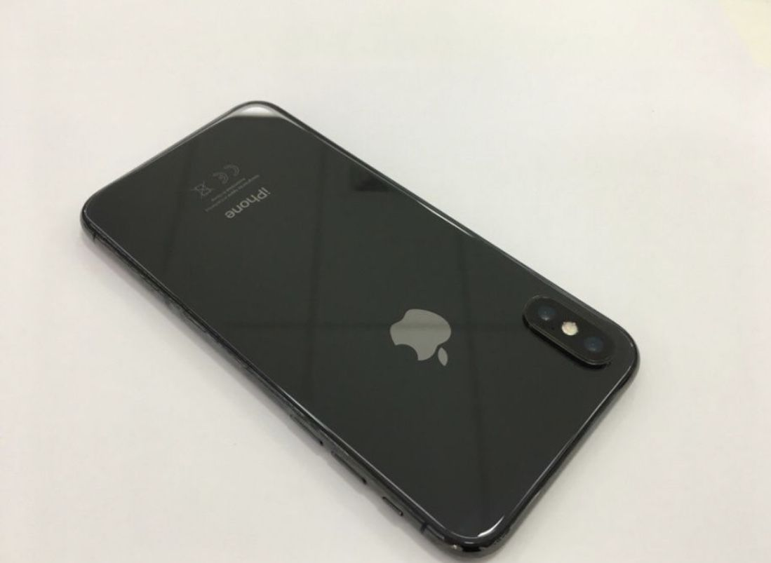 Телефон iPhone X 256 gb