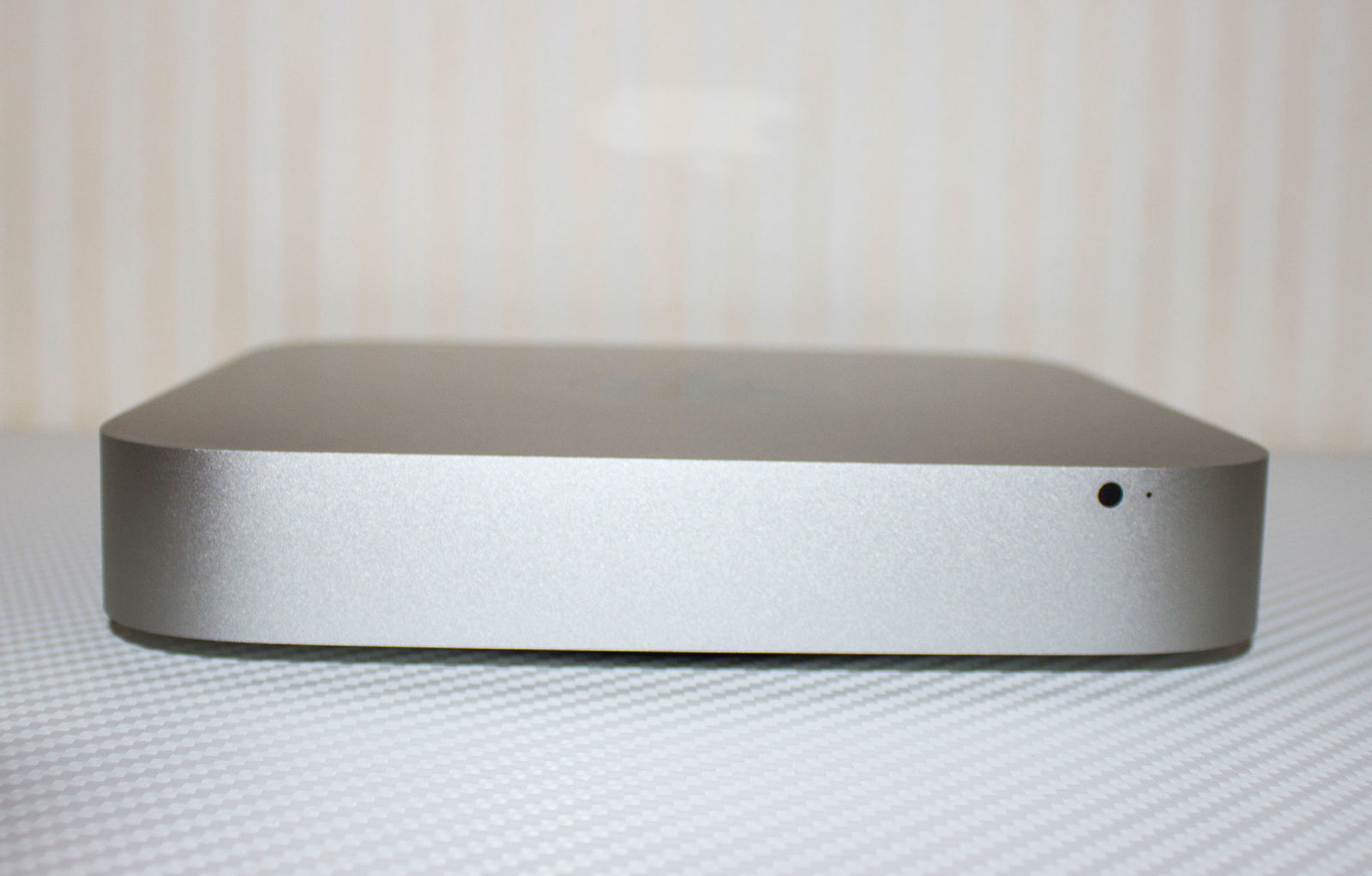 Mac mini Server 2.0-2.9 GHz Intel Quad-Core i7, 4-ядерный п-р (MC936)