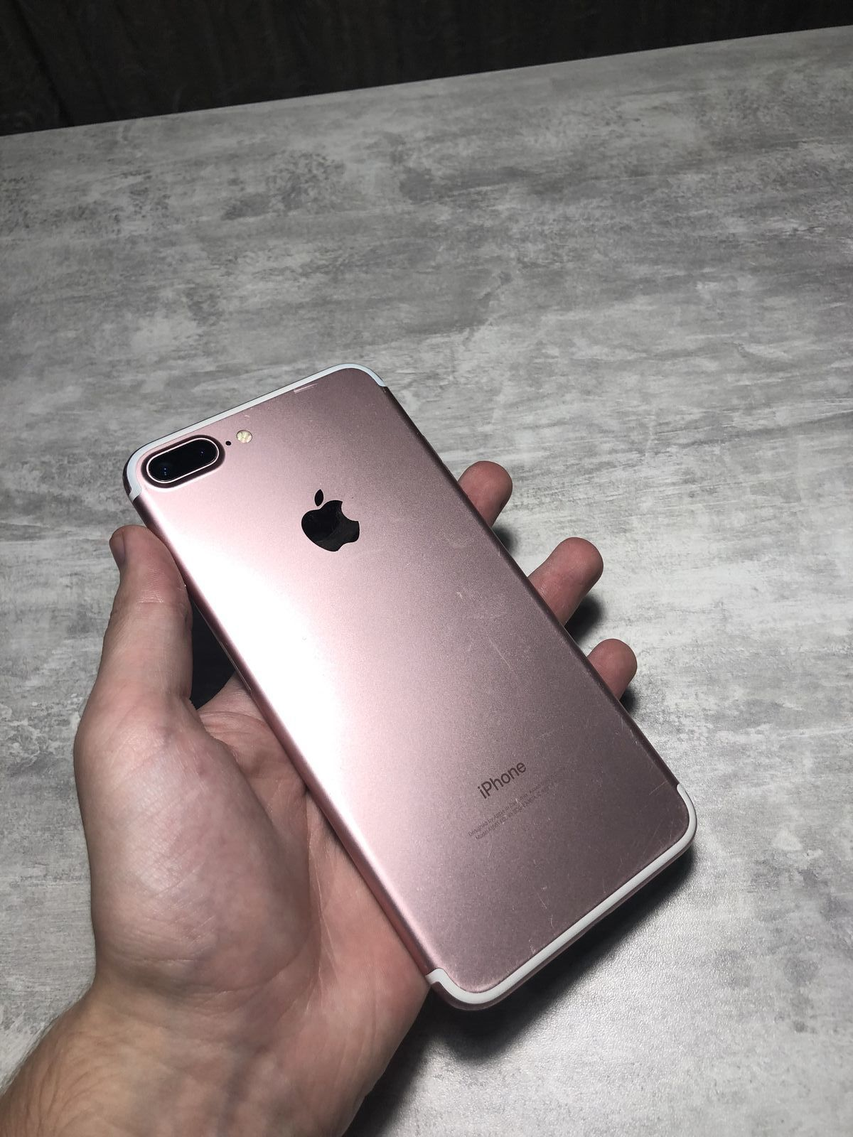 iPhone 7PLUS 128Gb Rose Neverlock Стан 8/10