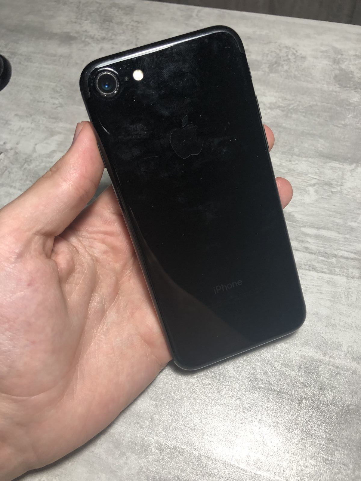 iPhone 7 32Gb Jet Black Neverlock Стан: 9/10