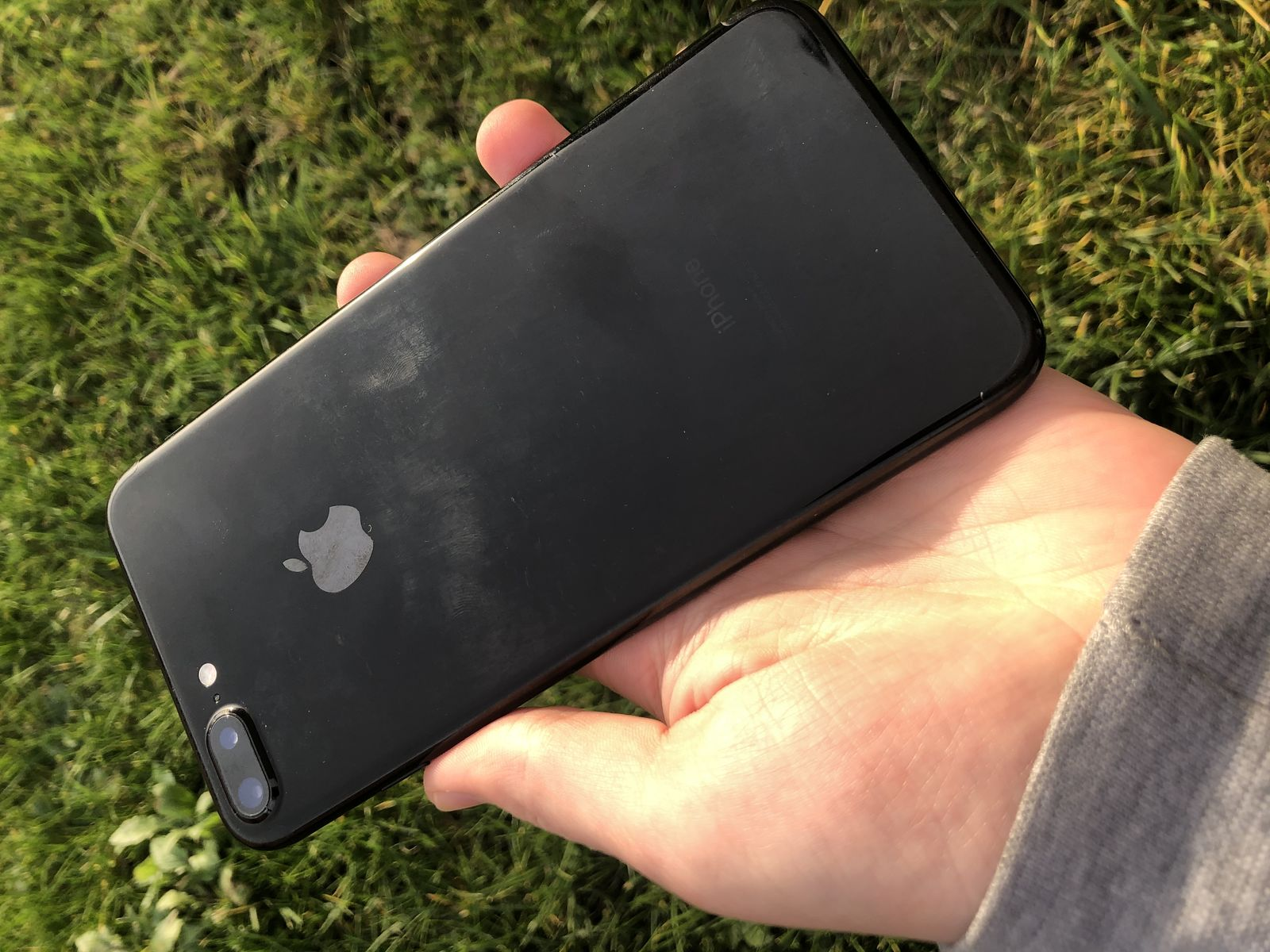 iPhone 7PLUS 256GB Neverlock Jet Black наушники в комплекті!