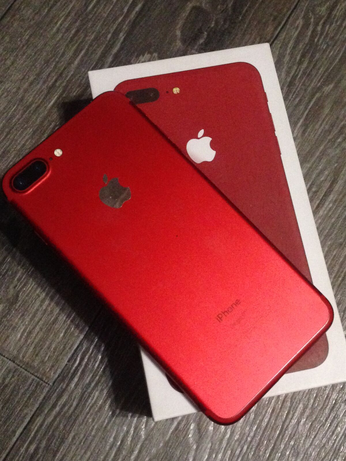 iPhone 7 Plus Red 128GB идеальный
